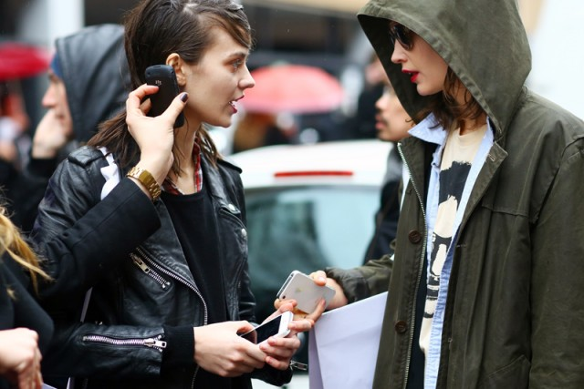 Street-Style-On-the-Phone-model-on-phone-640x427