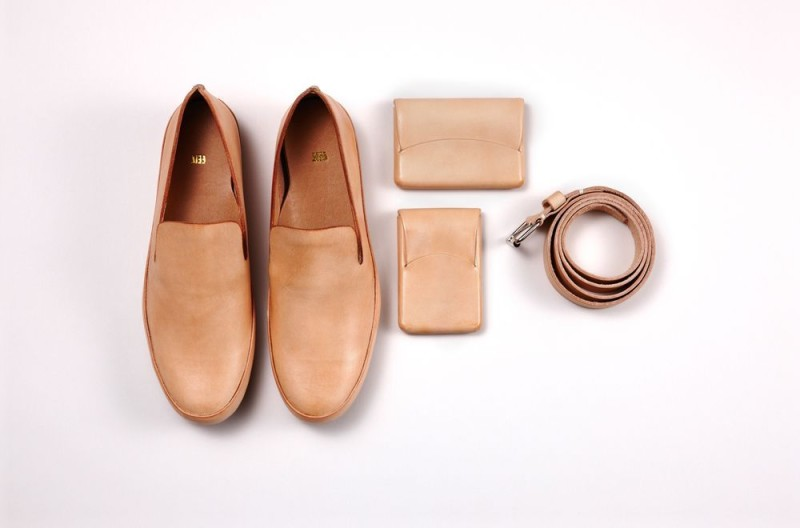 12-FEIT-shoes-sand-hero